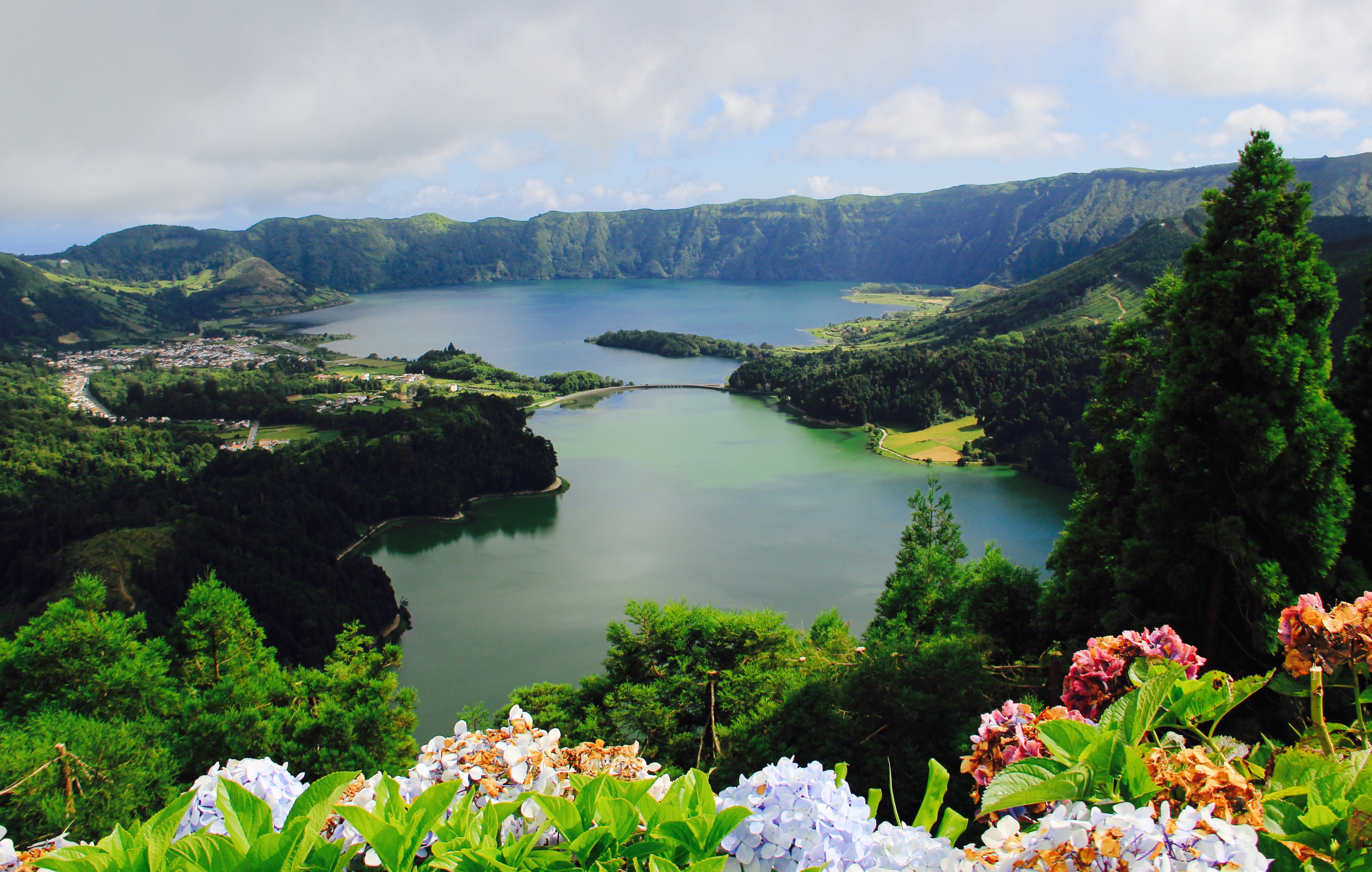 Twin Lakes Of Sete Cidades One Of The Natural Wonders Of Portugal Uncover Travel